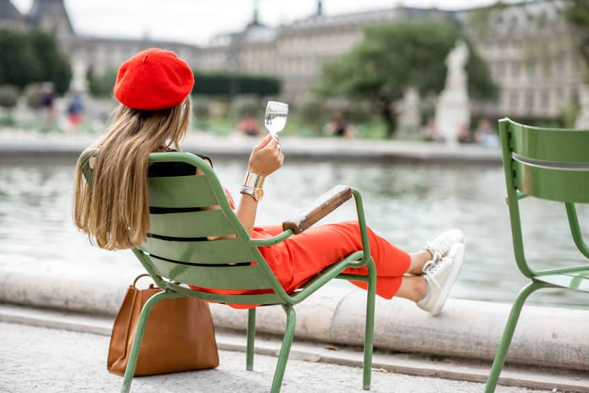 Women wearing a red beret in Paris
