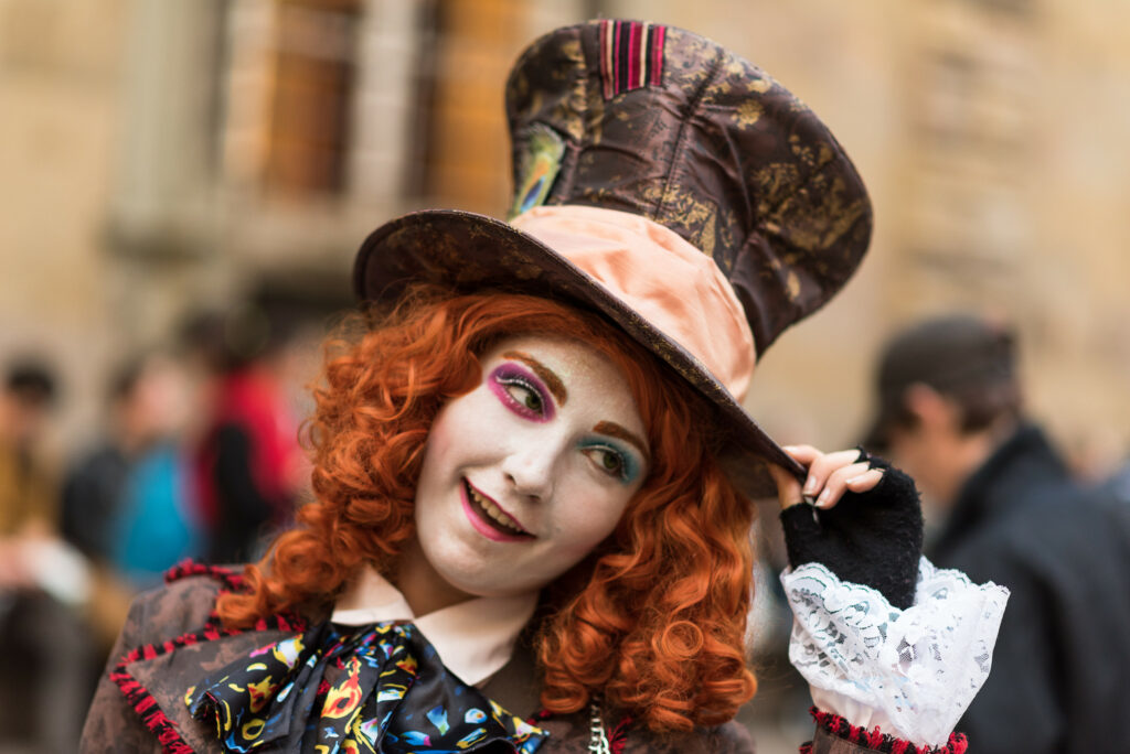 A women dressed as the Mad Hatter